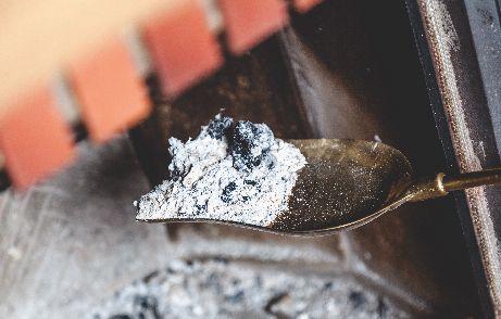 Comment-réutiliser-les-cendres-04